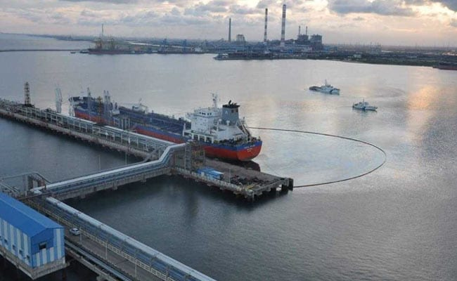 Oil Spill At Port Near Chennai Leaks 2 Tonnes Of Fuel Into Sea
